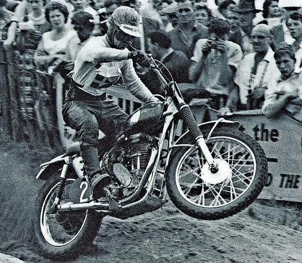 Bill Nilsson vinner VM i motocross 1960 på en Husqvarna fyrtaktare