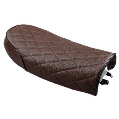 mörkbrunt rutigt säte för scrambler