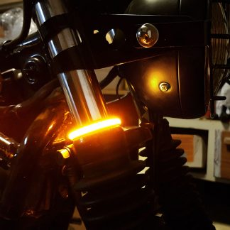LED blinkers runt gaffelbenen lysande