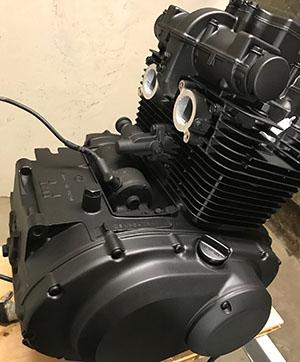 GS450-motor lackerad med Motip värmebeständig färg
